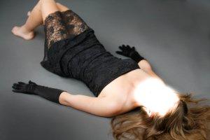 schulterfreies Kleid von Jennifer Taylor