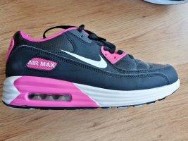 Schwarz pinke Nike Air Max