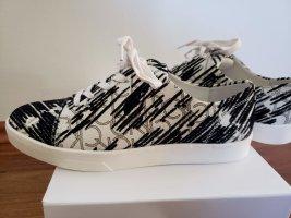 schwarz weiße Sneakers von Calvin Klein