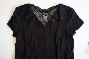 Schwarze Bluse von Only / Bluse mit Spitze