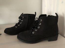 Schwarze Boots