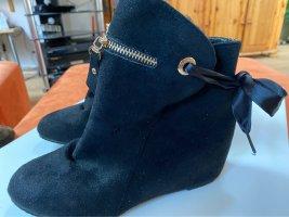 Schwarze Boots, Stiefeletten, Gr. 40