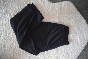 Schwarze Capri Sporthose