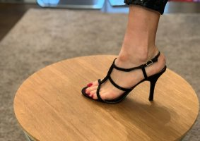 Schwarze elegante Sandalen