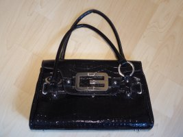 schwarze GUESS Tasche Lackoptik