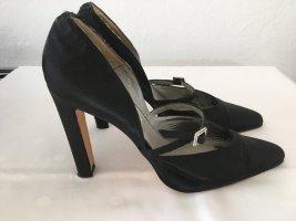 Schwarze High Heels aus Satin