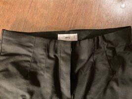 Schwarze Hose von Mango