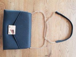 Schwarze Kunstledertasche mit goldenen Details