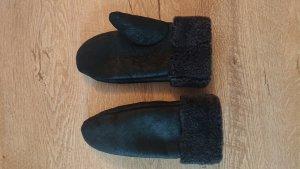 Fur Gloves black