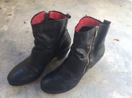 Schwarze Leder Boots *Bullboxer* , Cowboy-Absatz, Gold-Detail