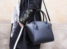 Schwarze Lederhandtasche Business Shopper