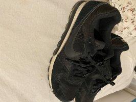 schwarze Nike's