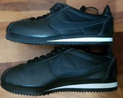 Schwarze Nike Sneaker in Größe 40