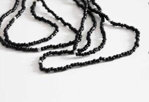 Schwarze Perlenkette