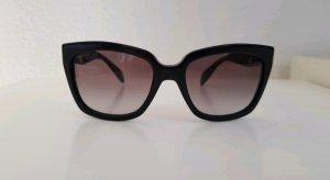Prada Hoekige zonnebril zwart-grijs