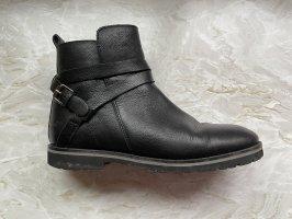 Krótkie buty czarny