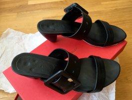Schwarze Sandaletten mit Absatz und toller Schnalle - Gr. 37,5
