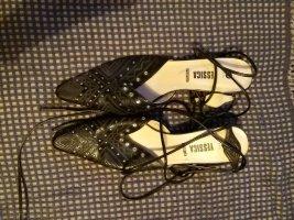 Schwarze schicke schuhe mit schnürung