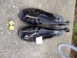 Schwarze schicke Sommerpumps / Sandallen Gr. 40 Lackleder
