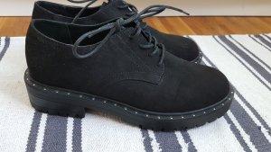 Schwarze Schnürschuhe (EU 41)
