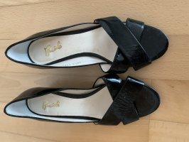 Schwarze Schuhe in Lackleder