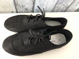 schwarze Schuhe mit Löchermuster / Sommerschuhe von B.P.C. / Bon Prix - Gr. 39 - neu