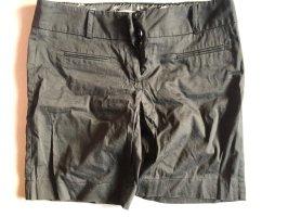 C&A Clockhouse Pantalón corto de talle alto negro