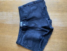 Schwarze Shorts / hotpants destroyed