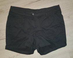 Schwarze Shorts von Takko