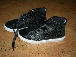 Schwarze Sneaker aus Leder von Madeleine