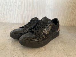 Schwarze Sneaker in Schlangenlederoptik von Graceland