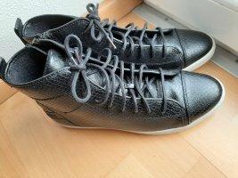 Schwarze Sneaker von Esprit Reptillook Gr. 38