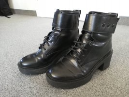 Bershka Botas con cordones negro
