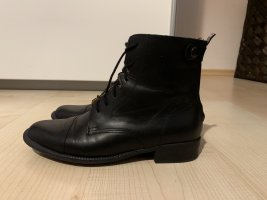 Lace-up Booties black leather