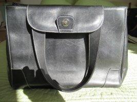 Schwarze Tasche aus Kalbsleder