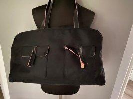 Schwarze Tasche / Reisetasche / Weekender von Amy Vermont