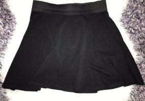 Schwarzer circle skirt