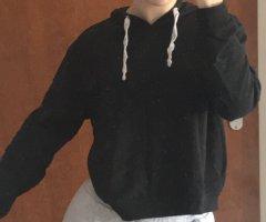 schwarzer dünner Pulli