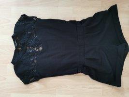 schwarzer jumpsuit mit Spitze