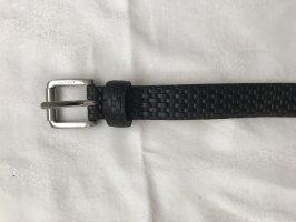 Schwarzer Ledergürtel mit schönen Details