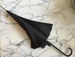 Sombrilla negro