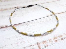 schwarzes Fußkettchen  / Fußkette mit silbernen und khakifarbenen Perlen NEU und größenverstellbar