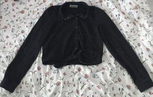 Schwarzes Jeanshemd zum Knoten