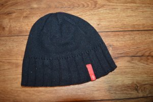 Esprit Knitted Hat black-red