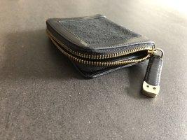 Schwarzes Portemonnaie