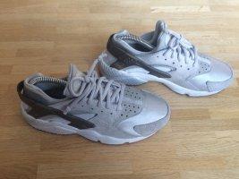 Sehr cooler Huarache Sneaker von NIKE