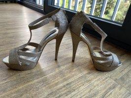 Sehr schöne goldene Sandale, Absatz 12cm