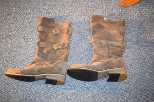 sehr schöne Stiefel von Buffalo in Rauhleder khaki / graubraun