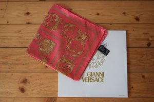 Gianni Versace Sciarpa di seta rosa-sabbia Seta