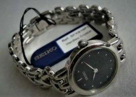 Seiko Reloj con pulsera metálica color plata-azul oscuro
